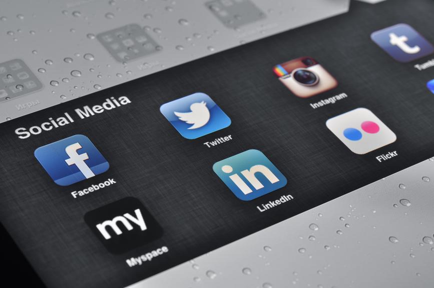 Social Media Applications on Ipad