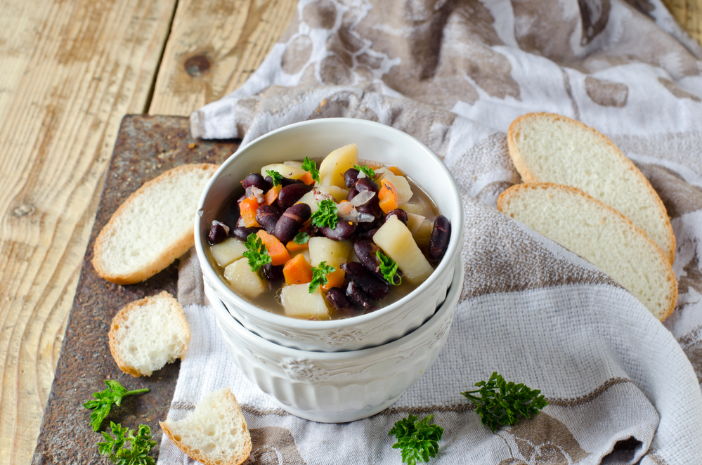Bean stew with vegetables and meat
